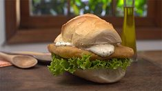 Sanduíche de bife à milanesa por Academia da carne Friboi