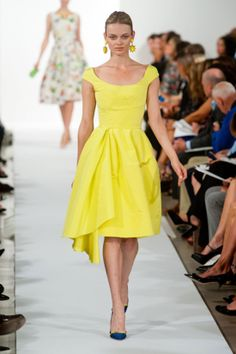Love this cheery yellow dress from #OscardelaRenta ! #NYFW #Spring14