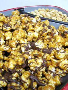 Review: G.H. Cretors' Popped Corn & Peanut Butter and Chocolate Popcorn | The Spiffy Cookie