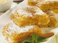 Quadrados de Amêndoa My Recipes, Sweet Recipes, Dessert Recipes, Cooking Recipes, Portuguese Desserts, Portuguese Recipes, My Favorite Food, Favorite Recipes, Biscuits