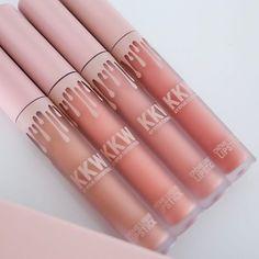 KKW x Kylie: Kylie Cosmetics se une a Kim Kardashian em parceria babado - http://www.pausaparafeminices.com/batom/kkw-kim-kylie-kylie-cosmetics/