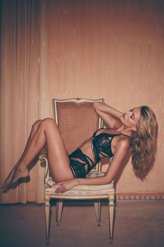 Revealing its Holiday 2016 Skivvies collection, Los Angeles-based label For Love & Lemons is taking lingerie to the next level. Called 'Darling of Mystery', the new season features Dutch model Bregje Heinen in the sultry lookbook images. Photographer Zoey Grossman captures the blonde beauty in a sexy mix of rich satins, fine lace and strap …