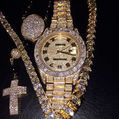 I ( was called out for posting this bling, with tagged to adjudicate.I mad, but his jeweller even madder. Has offered free Rolexes to anyone who can prov Cute Jewelry, Jewelry Accessories, Rapper Jewelry, Gold Diamond Watches, Expensive Watches, Luxury Jewelry, Luxury Watches, Jewelry Collection, Watches For Men