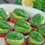 Heirloom Tomato Avocado Salad - a vegan take on Caprese salad. I don't know that I would eat this as is but I'm pinning it to remember in case I want to make a Caprese sandwich! Raw Food Recipes, Appetizer Recipes, Vegetarian Recipes, Cooking Recipes, Healthy Recipes, Whole30 Recipes, Bbq Appetizers, Avocado Recipes, Vegan Meals