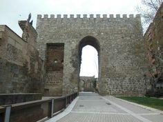 Puerta de Sevilla en #Talavera de la Reina (#Toledo). #EuropeosViajeros #Spain #CastillaLaMancha #Europe #Europa #Travel #Viaje #Turismo #Tourism