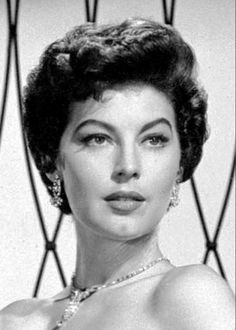 Classic Hollywood's Most Beautiful Actresses - Ava Gardner Vintage Hollywood, Hollywood Glamour, Hollywood Stars, Classic Hollywood, Ava Gardner, Beautiful Celebrities, Beautiful Actresses, Most Beautiful Women, Beautiful People