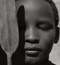 Herb Ritts : Loriki with Spear, Africa 1993