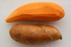 Health Benefits of Sweet Potatoes: Sweet potato is rich in Vitamin A and C. These vitamins are powerful antioxidants that work in the body to remove free radicals. Good for stomach ulcers and inflamed conditions of the colon. Helpful for hemorrhoid becau Dog Treat Recipes, Dog Food Recipes, Nutrition Articles, Potato For Skin, Potato Dog, Sweet Potato Benefits, Diabetic Recipes, Healthy Recipes, Ideas