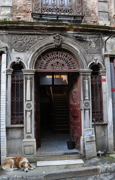 Istanbul, Beyoglu, Pera's old doors. Turkish Architecture, Grand Entryway, Old Doors, Ottoman Empire, Grand Tour, Istanbul Turkey, Places To Go, Beautiful Places, Around The Worlds