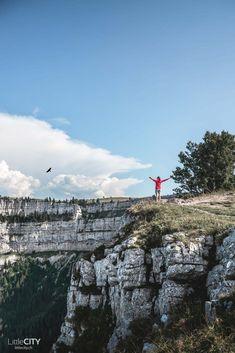 Creux du Van Places In Switzerland, Three Lakes, Gear Best, Reisen In Europa, Summer Bucket Lists, Secret Places, Wild Nature, Seattle Skyline, Great Places