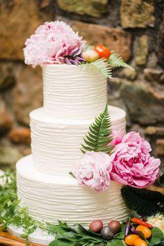 Bright & Bold Must-See Virginia Farm Wedding Inspo | The Perfect Palette Farm Wedding, Wedding Reception, Wedding Day, Creative Wedding Inspiration, Indian Wedding Cakes, Wedding Cake Designs, Wedding Desserts, Beautiful Cakes, Wedding Colors