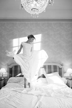 La mariee aux pieds nus - Margaux Tardits - Photo : Alexandra Utzmann - Robe de mariee - Collection 2015 - Modele La mélodie du bonheur