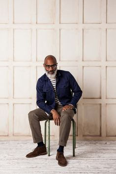 The easy layering of the navy cotton overshirt.