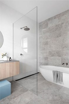 Modern Master Bathroom, Family Bathroom, Modern Bathroom Design, Bathroom Interior Design, Small Bathroom, Wet Room Bathroom, Minimalist Bathroom Design, White Bathrooms, Luxury Bathrooms