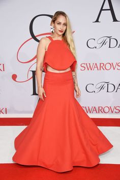 Jemima Kirke in Rosie Assoulin at the 2015 CFDA Fashion Awards. See all the looks from the night.