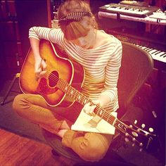 Taylor Swift in the studio!