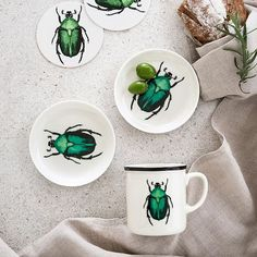 These bugs don't bug us! #tableware #HMHome