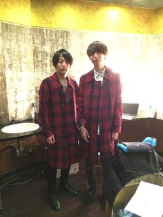 [Alexandros]白井眞輝2015/2/13 ウェルアレライブ。[Alexandros] Official Site Men Casual, Studio Coast, Japanese, Content, Mens Tops, Rock, Backgrounds, Japanese Language, Skirt