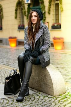 best winter boots for women boots women boots 2020 boots outfit When winter approaches, warm, snow-sure and well-insulated boots are a must. Thigh High Boots Heels, Heeled Boots, Knee Boots, Fashion Boots, Fashion Outfits, Best Winter Boots, High Leather Boots, Black Leather, Sexy Boots