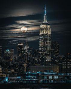 Midtown Manhattan 📷 - New York - travel Manhattan New York, Manhattan Skyline, Manhattan Cocktail, Manhattan Apartment, Lower Manhattan, United States Cities, States In America, America America, New York
