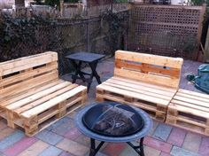 There are easy outdoor ideas as there are of indoor furniture, so let's focus on patio furniture made out of wood pallets and that's what we are about to do