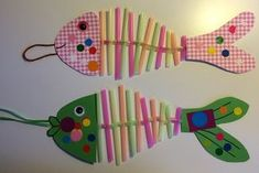 1ier avril : les poissons contorsionnistes Sea Crafts, Diy Crafts For Kids, Arts And Crafts, Summer Camp Themes, Camping Theme, Summer Art, Art Activities, Cool Baby Stuff, Preschool