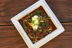 I LOVE chili – especially in the fall – but normally it's packed with lectins, thanks to the tomatoes and beans. Here's my alternative healthy chili recipe. Lectin Free Foods, Lectin Free Diet, Skinny Chili Recipe, Veg Recipes, Healthy Recipes, Crockpot Recipes, Recipies, Dinner Recipes, Plant Paradox Diet