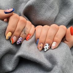 Tierdrucke Nail Art Design // ig: 54 The Brightest Spring 2020 Nail Trends That Are SO Popular Right Now Heart Nail Art, Heart Nails, Minimalist Nails, Hair And Nails, My Nails, Long Nails, Nagellack Trends, Fire Nails, Cute Acrylic Nails
