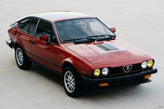 Bet for the chance in order to own a No Book: 1985 Alfa Romeo at auction with Provide a Trailer, the house associated with the best vintage plus classic cars online. Alfa Romeo Gtv6, Alfa Romeo Cars, Alfa Gtv, Best Muscle Cars, Exterior Trim, Sport Seats, Classic Italian, Classic Cars Online, Sexy Cars