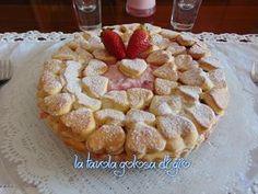 crostata di fragole con crema di ricotta , un dolce semplicissimo ma di grande effetto . Tanto genuino ricco di frutta di stagione .Ottimo per colazioni , merende o anche per feste