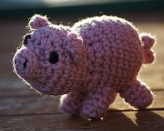 2000 Free Amigurumi Patterns: Mabel the Pig