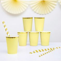 6 Lemon Yellow and Gold Party Cups Yellow Birthday Parties, Birthday Cup, Pastel Party Decorations, Birthday Party Decorations, Pastell Party, Yellow Cups, Lemon Yellow, Yellow Paper, Pastel Yellow