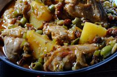 Slow Cooker Fricasse de Pollo with colorful vegetables and juicy meat