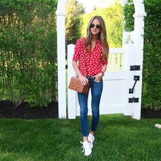 red polka dot button down + blue skinny jeans + white sneakers