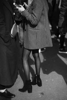 On the Street…Details, Paris http://fashion.haydai.com #Paris, #StreetDetails http://fashion.haydai.com/on-the-streetdetails-paris/