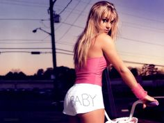 Background Photos - Britney Spears: http://wallpapic.com/celebrities/britney-spears/wallpaper-1735