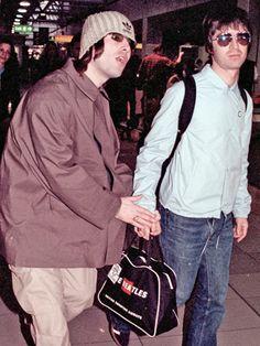 Liam and Noel Gallagher Liam Gallagher Oasis, Noel Gallagher, The Courteeners, Oasis Music, Oasis Band, Liam And Noel, Jeff Buckley, Aesthetic Indie, Britpop