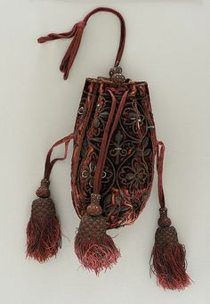 Woman's purse, dated 1595, image from LACMA.