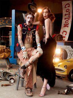 Fashion photographer Steven Meisel shoots beautiful model Karen Elson for Vogue Italia. Acrobats, clowns and contortionists surround the British model, whi Karen Elson, Steven Meisel, Dark Circus, Circus Theme, Circus Party, Circus Circus, Circus Fashion, Pierrot Clown, Circo Vintage