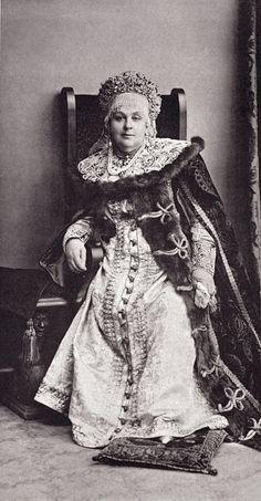 Princess Nadezhda Dmitrievna Beloselskaya-Belozerskaya in 17th-century boyarina's attire....136 by klimbims on deviantART