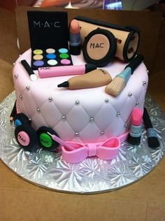 CakesDecor - a place for people who love cake decorating. Make Up Cake, Love Cake, Girly Cakes, Fancy Cakes, Makeup Birthday Cakes, Cake Birthday, Birthday Kids, Birthday Cakes For Ladies, Cakes For Boys