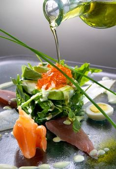 Rocket salad with smoked fish and avocado - Healthy fish recipes - ten top treats