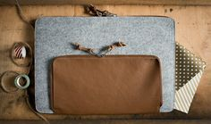 Grey Felt MacBook Sleeve / Case / Cover -MacBook 12 Air Sleeve - Grey Wool Felt with Brown Leather by MrArtigiano on Etsy Macbook 12, Dear Friend, Wool Felt, Brown Leather, Zip Around Wallet, Trending Outfits, Unique Jewelry, Handmade Gifts, Sleeves