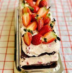 Prăjitură cu brânză, mousse de ciocolată neagră și zmeură – Chef Nicolaie Tomescu Chef, Something Sweet, Cheesecake, Strawberry, Fruit, Desserts, Food, Romanian Recipes, Cake Recipes