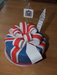 union jack cake Plus Pretty Cakes, Beautiful Cakes, Amazing Cakes, Cool Birthday Cakes, Happy Birthday, Union Jack Cake, England Cake, British Cake, London Party