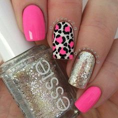 "If you're unfamiliar with nail trends and you hear the words ""coffin nails,"" what comes to mind? It's not nails with coffins drawn on them. It's long nails with a square tip, and the look has. Pink Leopard Nails, Pink Nails, Pink Glitter, Leopard Nail Designs, Nail Art Designs, Shellac Nails, Toe Nails, Semi Permanente, Fabulous Nails"