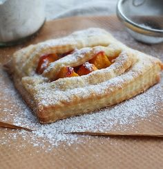 Eastern European Recipes, Hungarian Recipes, Hungarian Food, Puff Pastry Recipes, Apple Pie, Food Photography, Food And Drink, Sweets, Bread