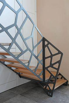 20 Creative and Sophisticated Balustrades in Modern Design Interiors, https://dezvox.com/balustrades-modern-design-interiors/