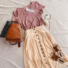 Flattering 80 Summer Skirts and Styles - Fashion & Style embroidery sweets embroidery inspiration embroidery beautiful Modest Dresses, Modest Outfits, Modest Fashion, Casual Outfits, Fashion Outfits, Romantic Style Fashion, Boho Fashion, Fashion Ideas, Comfy Dresses