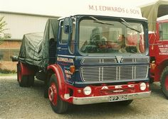 Vintage Trucks, Old Trucks, Old Commercials, Truck Camper, Commercial Vehicle, Classic Trucks, Heavy Equipment, Cars And Motorcycles, Vans